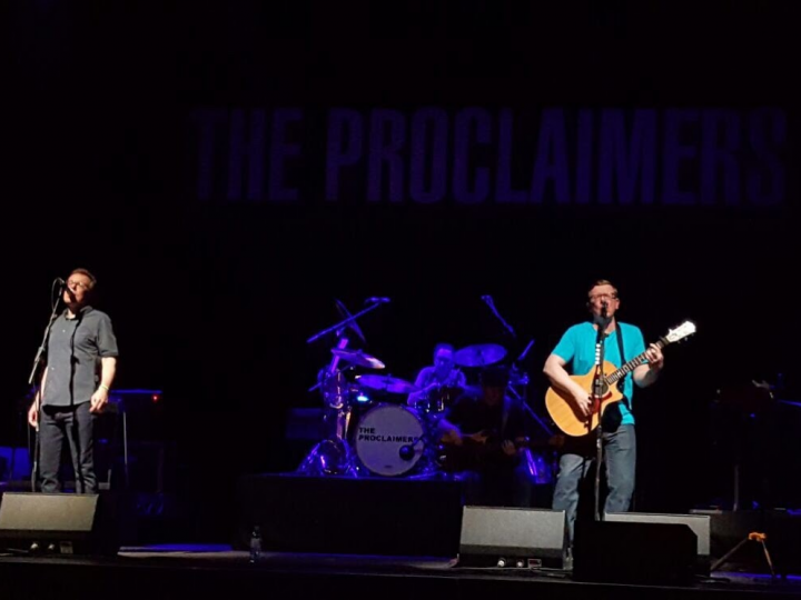 The Proclaimers dedication to the Smileofarran